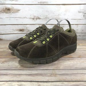 Clarks In Motion Suede Sneakers Size 8.5W